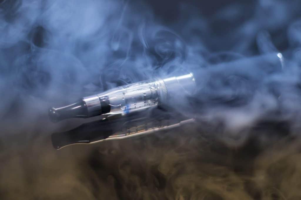 e cigarette, steam, evaporator-1881957.jpg